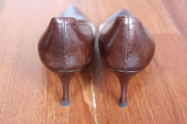 Manolo-Blahnik-Light-Brown-Short-Heels-Back