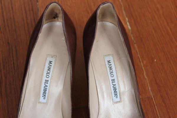 Manolo-Blahnik-Light-Brown-Short-Heels-Label