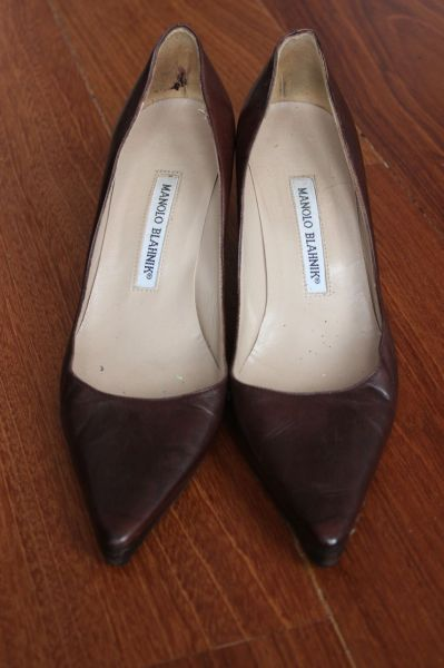 Manolo-Blahnik-Light-Brown-Short-Heels-Toes