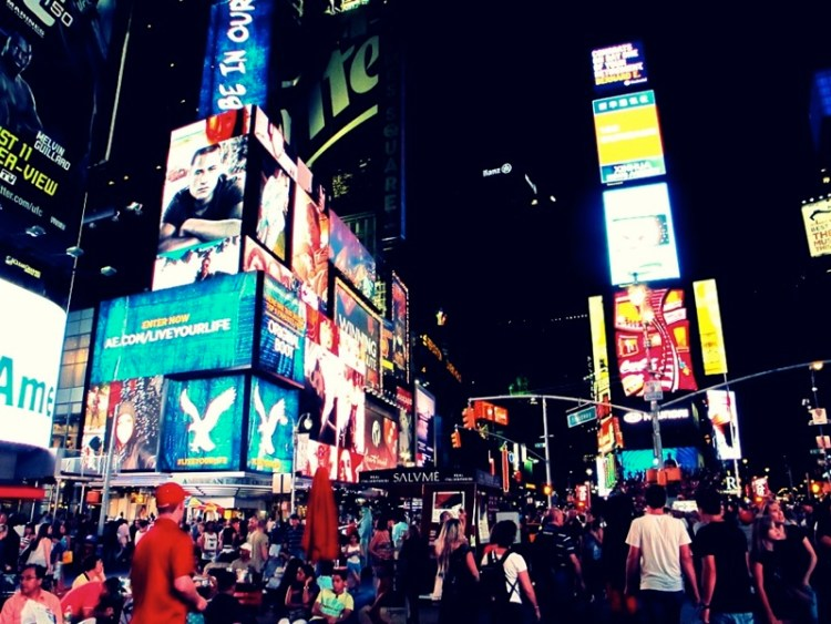 Photograph-Travel-NYC-New-York-City-USA-Times-Square-Energy-People-Busy
