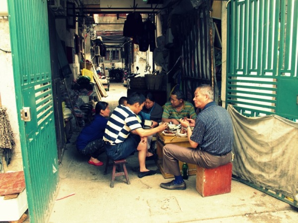 Shanghai-China-Photograph-Home-Family-Dinner-Food-Eating