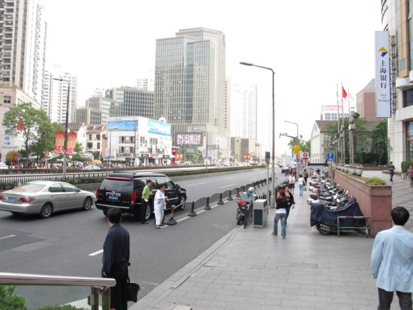 Shanghai-China-Photograph-Rich-Escorted-Woman-Cadillac-Escort