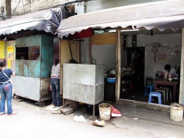 Shanghai-China-Photograph-Street-Restaurant-2