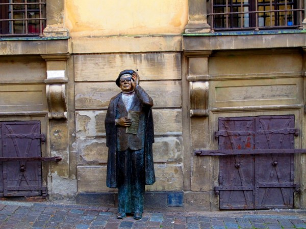 Stockholm-Sweden-Statue-Woman-Tourist-Travel
