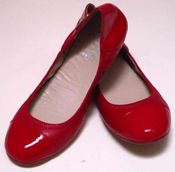 Wardrobe-Clothes-Closet-Red-Flats-Shoes-Ballerina-Ballet-2