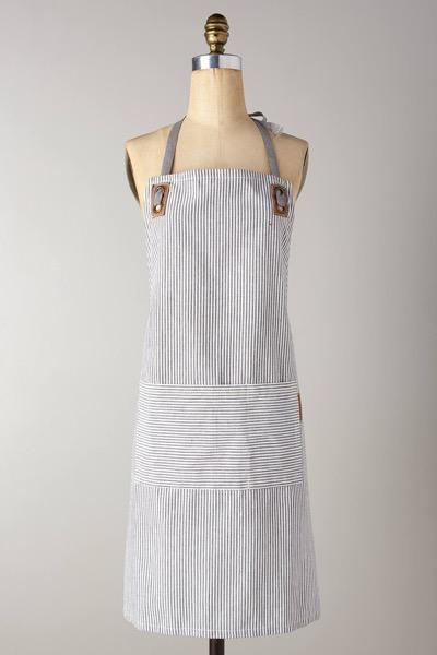 anthropologie-portsmouth-grey-motif-apron