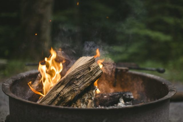 fire-home-cosy-woods-zen-minimalism