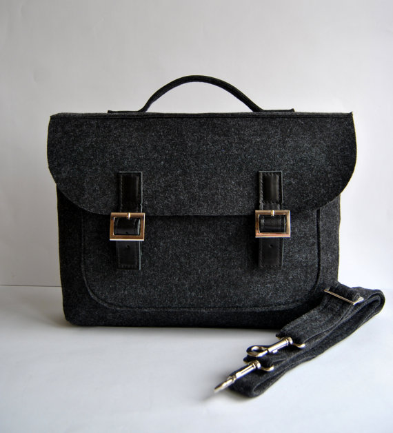 https://www.etsy.com/ca/listing/256786191/sale-felt-laptop-bag-13-with-leather?ref=shop_home_feat_1