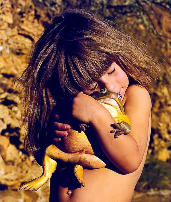 little-girl-africa-wild-animals-photo