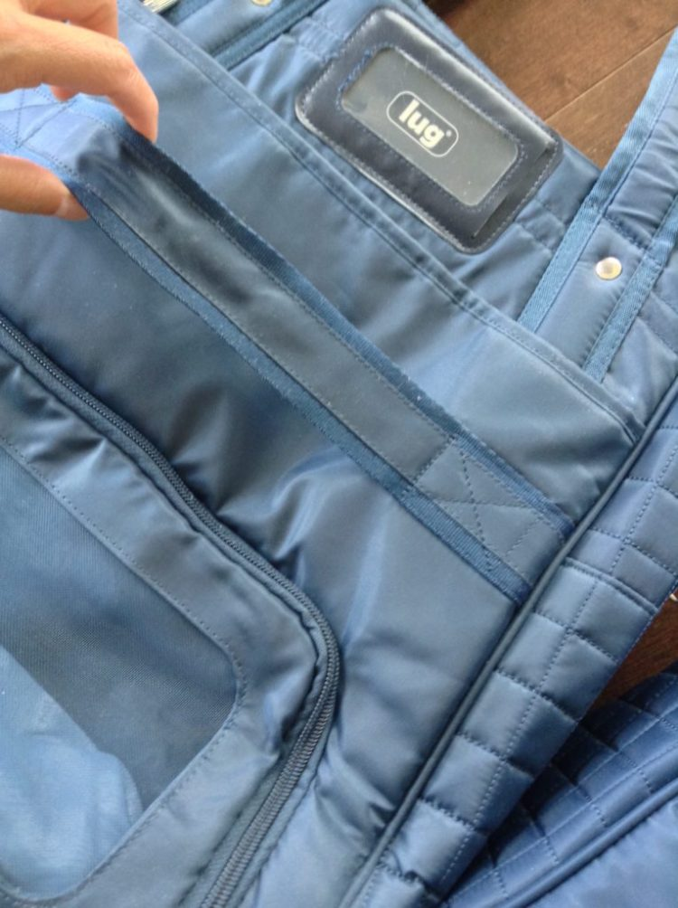 lug-totes-review-blue-travel-large-and-small-back-strap