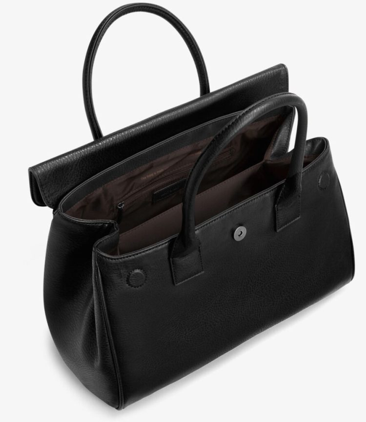 mat-and-nat_clarke-black-bag-dwell-collection-2015-open