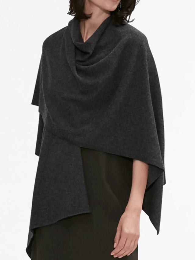 https://www.savespendsplurge.com/style-shopper-mm-lafleur-blogger-review-from-canada-taylor-dress-in-viridian-green-angelou-shawl-in-shadow-grey-and-cream/