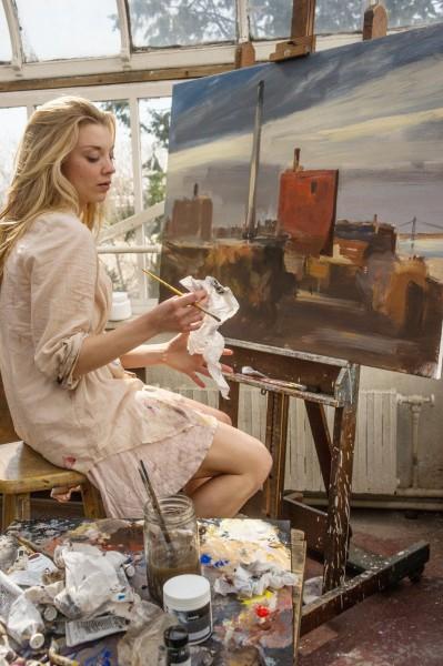 natalie-dormer-elementary-irene-adler-outfit-wardrobe-painting-found
