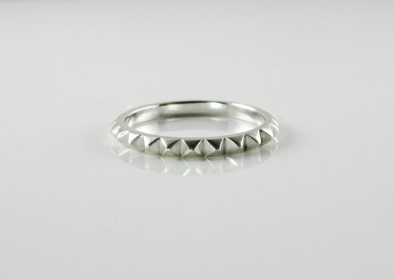 rachelquinnjewelery-ring-spiked-pyramid