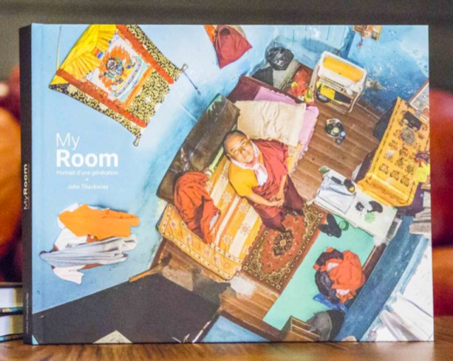 http://myroomphotos.com/buy-the-english-version-of-the-book/