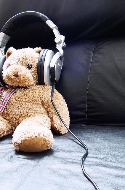 shankarmenon-flickr-photo-rights-teddybear-headphones-listen-music-relax