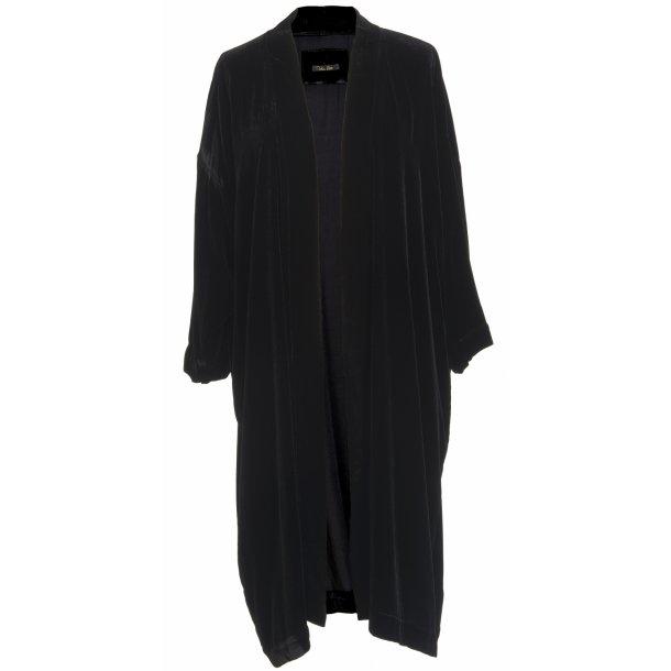 https://www.vibekescott.com/products/135-shop-all/257-anita-black-silk-velvet/