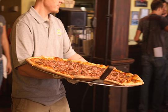 carnivore pizza Certains restaurants vous offrent votre repas ?