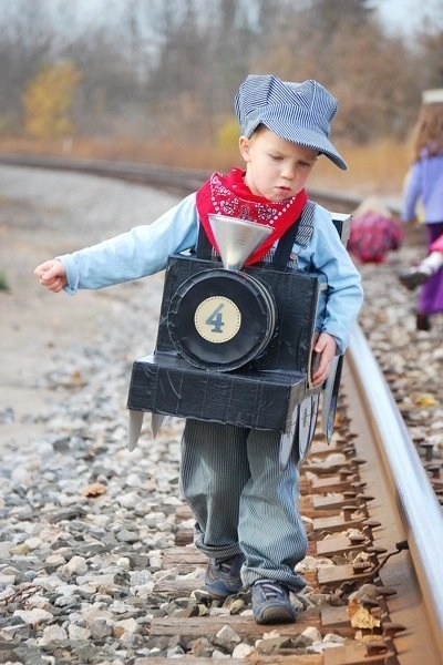 10 Creative Do It Yourself Costumes For Boys Saving And