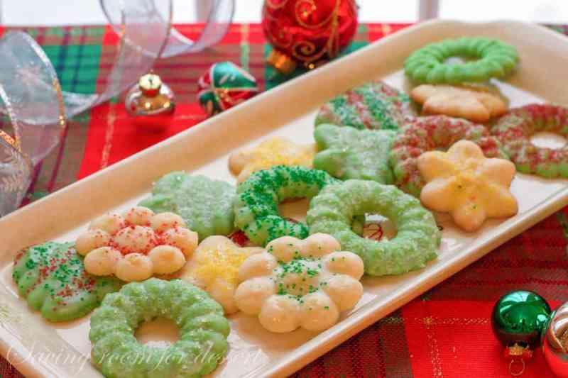 Spritz Cookies | www.savingdessert.com