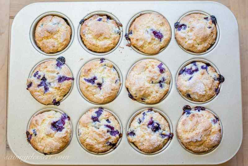Amazing Classic Blueberry Muffins