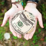 Money Management: 4 Benefits of Having a CD Savings Account