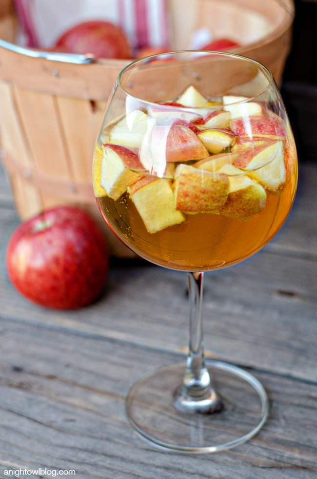 Sangria of the Month - October 2017: Carmel Apple Sangria!