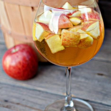 Sangria of the Month - October 2017: Carmel Apple Sangria!