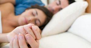 Kako prepoznati tko je gazda u vezi po položaju spavanja