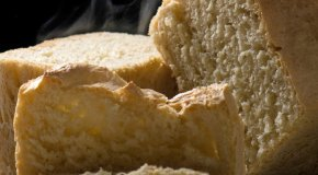 Pohani kruh s mlijekom