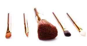 Čišćenje kistova za šminkanje