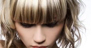 žena s bob frizurom