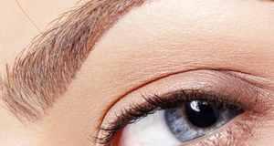 plava boja očiju