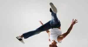 plesac-breakdancea