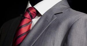 crveno-crna kravata