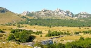 Baške Oštarije, selo na izlasku iz Like