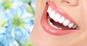 bijeli i lijepi zubi
