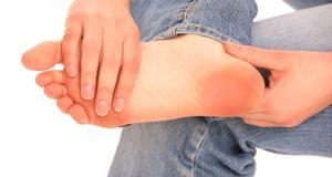 bolovi u stopalu