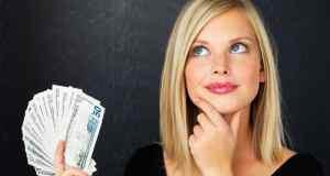 Žena s novcem