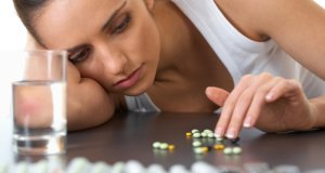 žena s lijekovima