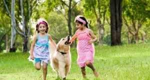 djeca sa psom