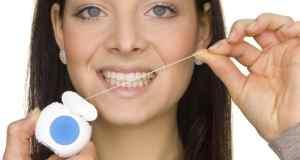 čišćenje zuba koncem