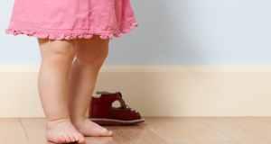 Kako potaknuti bebu da hoda