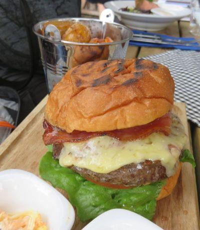 Djuronaset burger