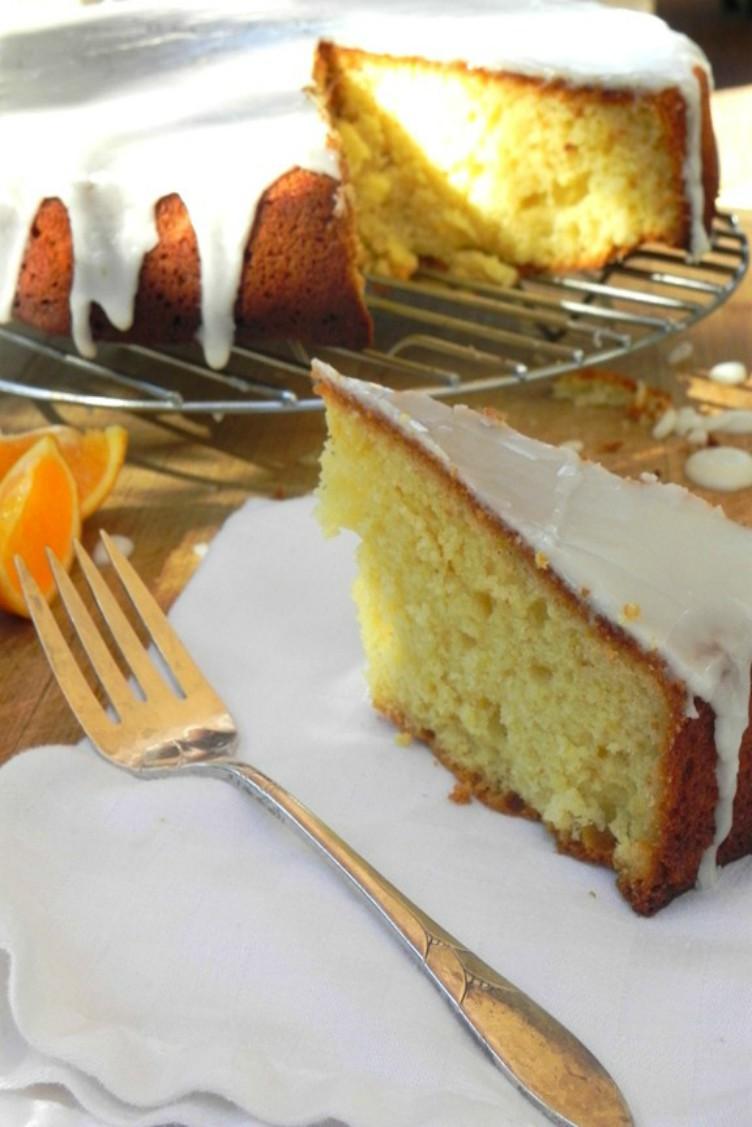 overhead image of torta agli agrumi citrus olive oil cake
