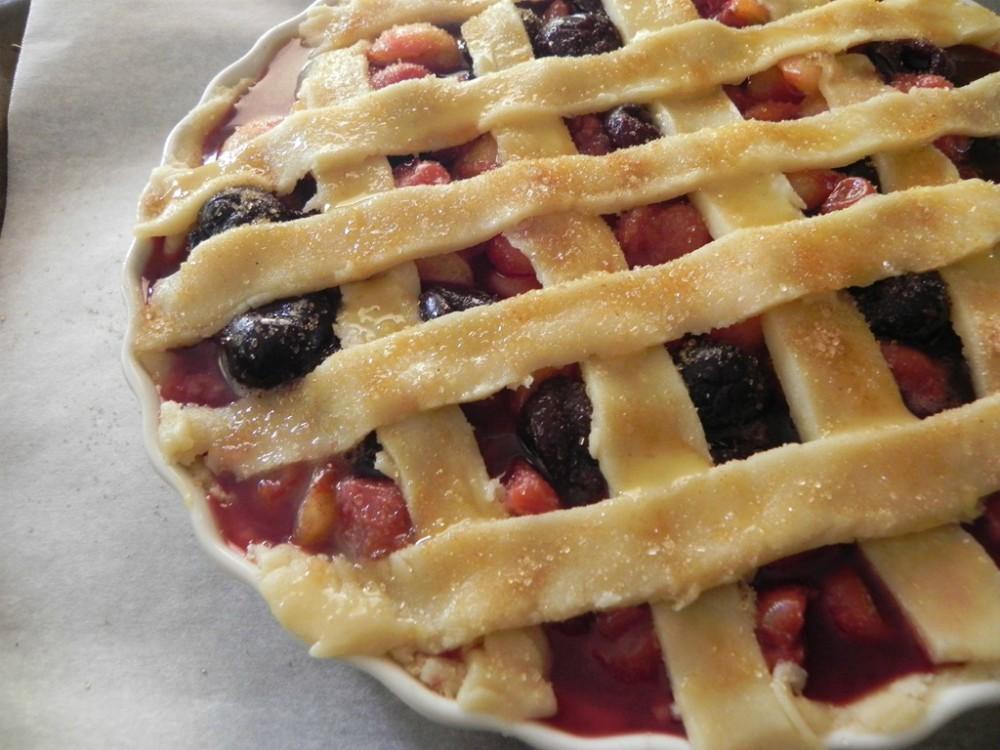 overhead image of lattice topped cherry pie