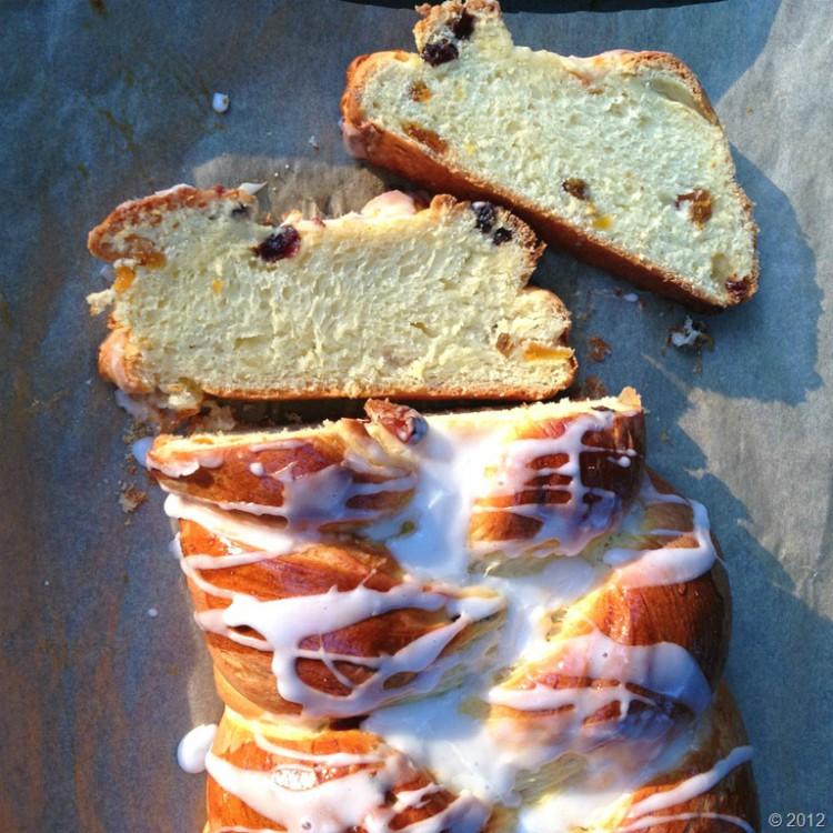 overhead image of bread sliced
