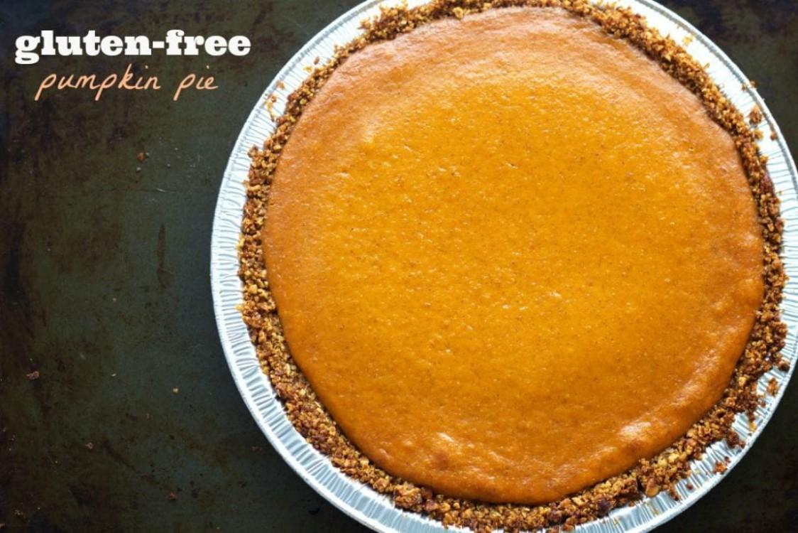 overhead image of gluten-free pumpkin pie