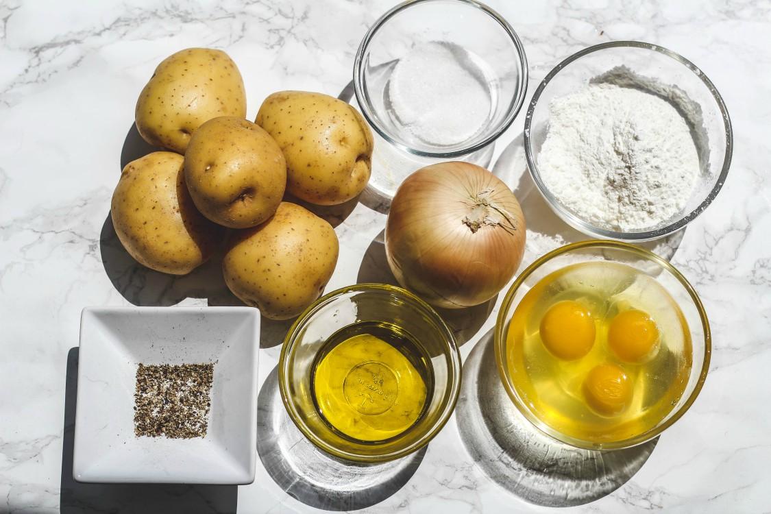 overhead image of ingredients to make potato kugel