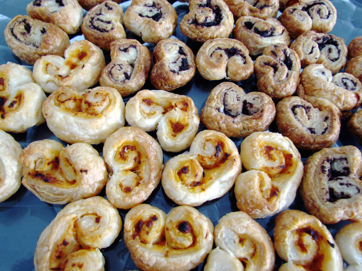 puff pastry pesto rosso palmiers